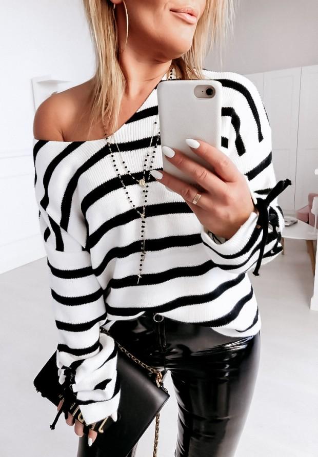Sweter Stripes