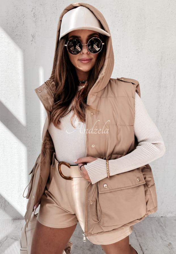 Vesta Viletta Camel